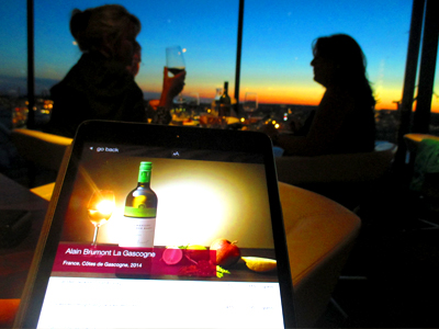 The View Skybar & Restaurant at the Riverton Hotel offers a spectacular sunset view of the harbor of Gothenburg.